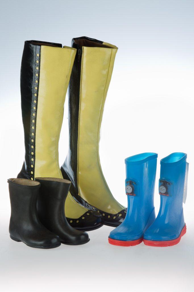 MC266.92 Black & yellow boots MC235.2005 Thomas boots MC520.2003 Black wellies